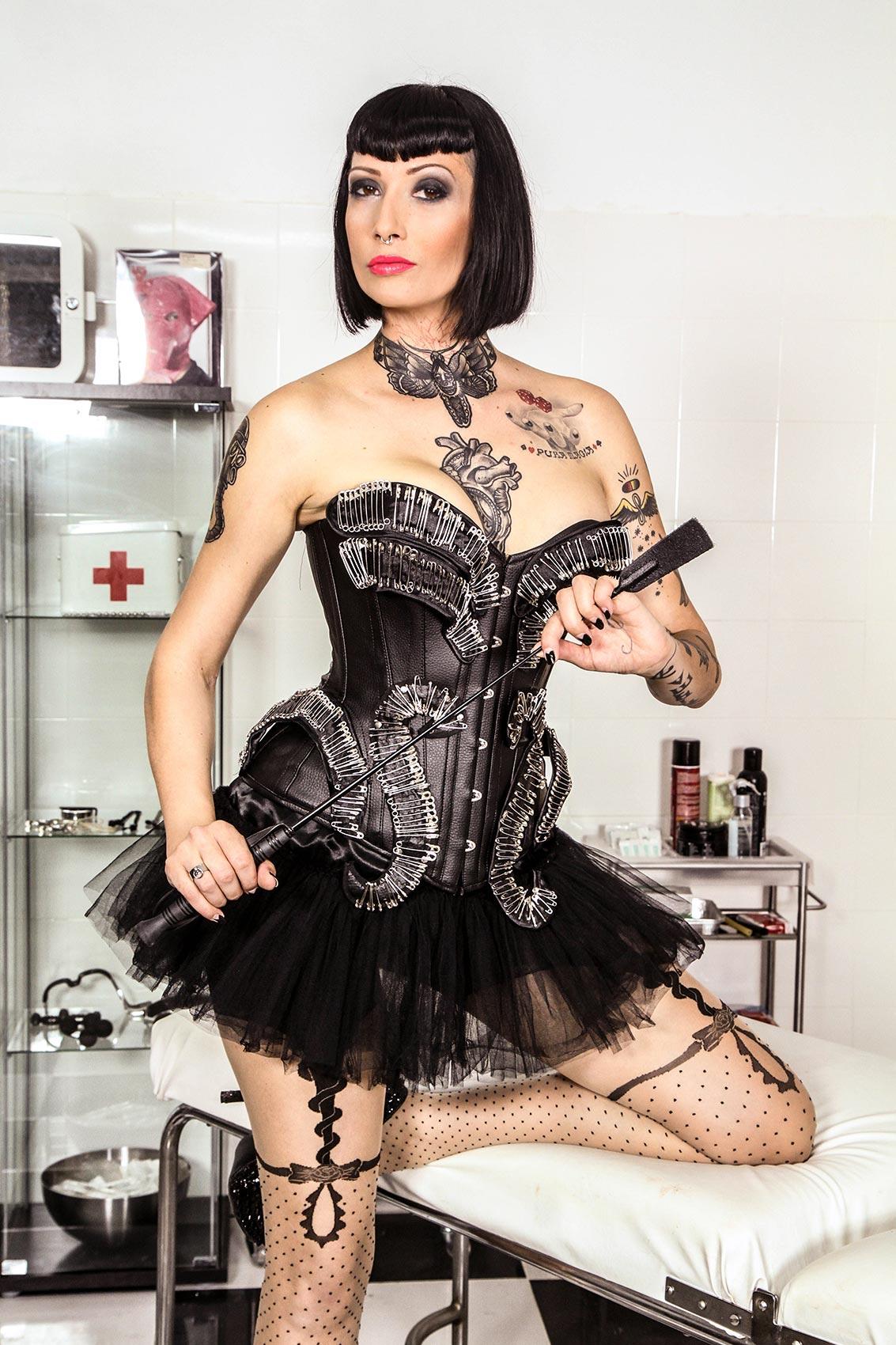 Minerva's Bio, Free Nude Pics & VR Porn Videos