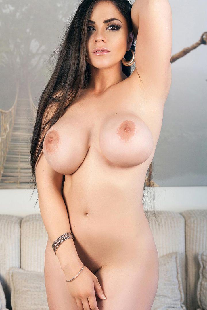 Marta LaCroft's Bio, Free Nude Pics & VR Porn Videos