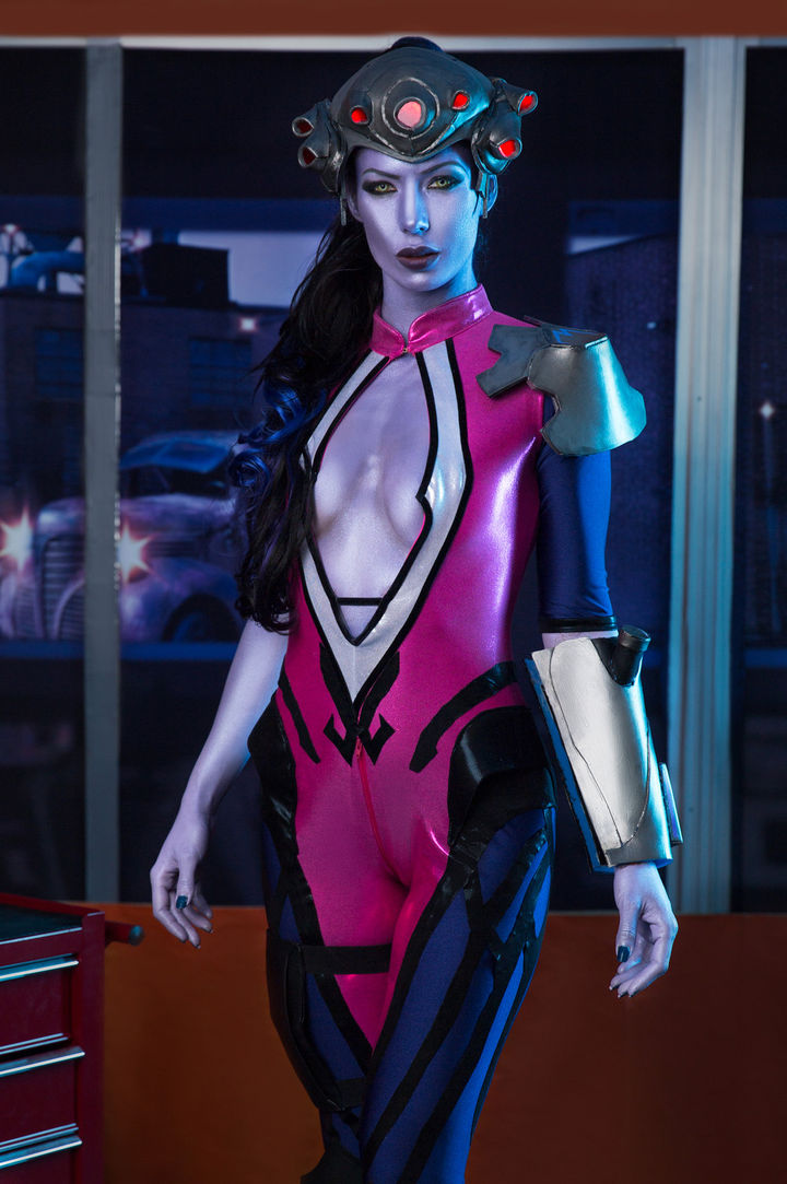 Alexa Tomas's VR Porn Videos, Bio & Free Nude Pics