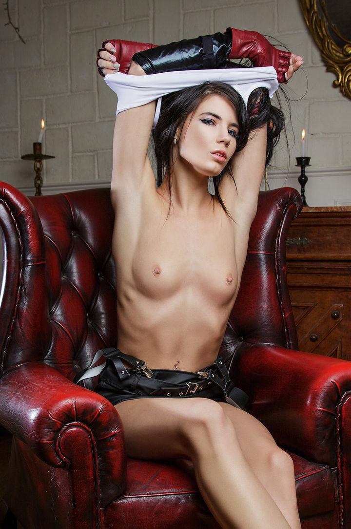 Lovenia Lux's VR Porn Videos, Bio & Free Nude Pics