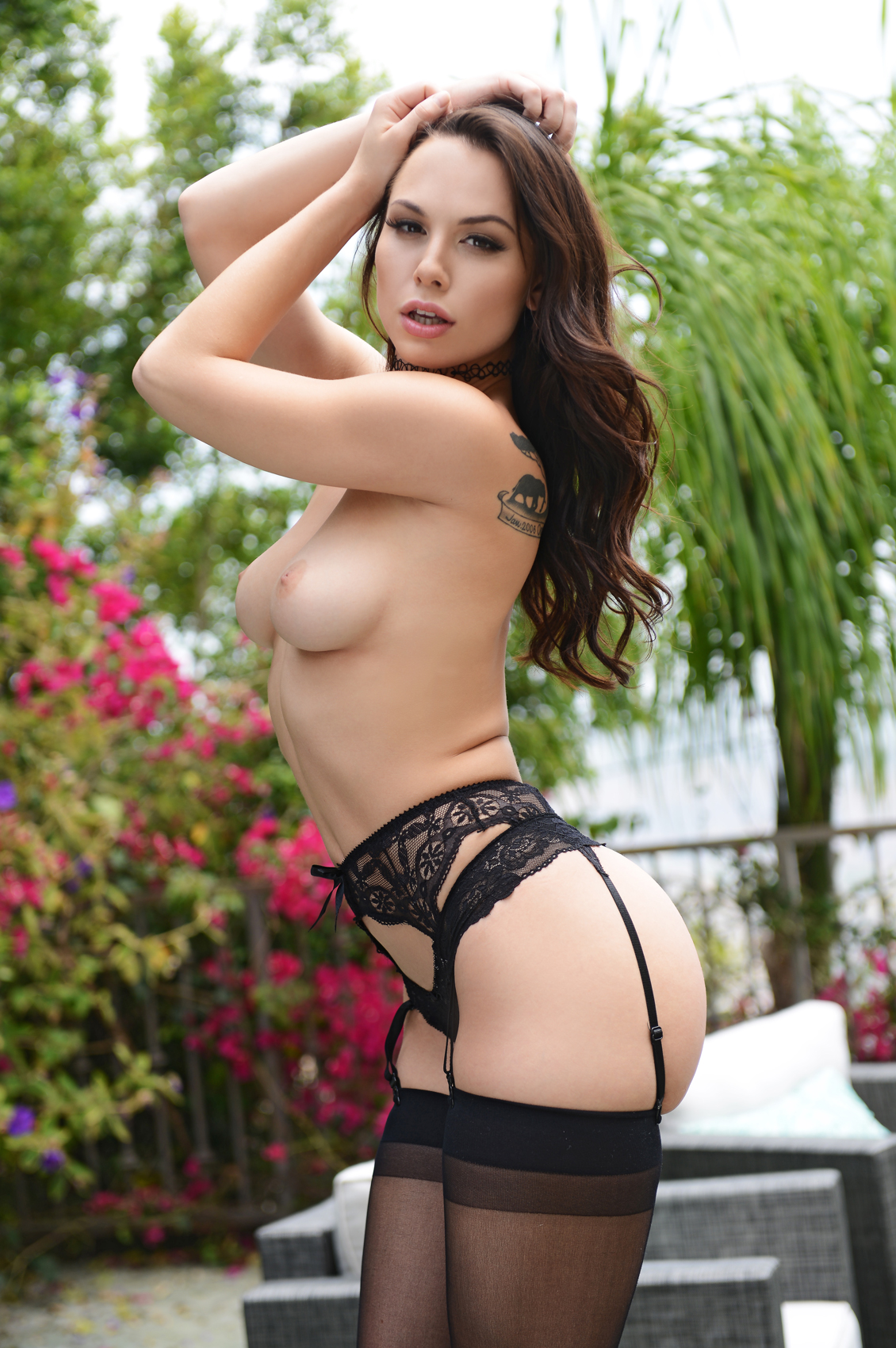 Aidra Fox's VR Porn Videos, Bio & Free Nude Pics