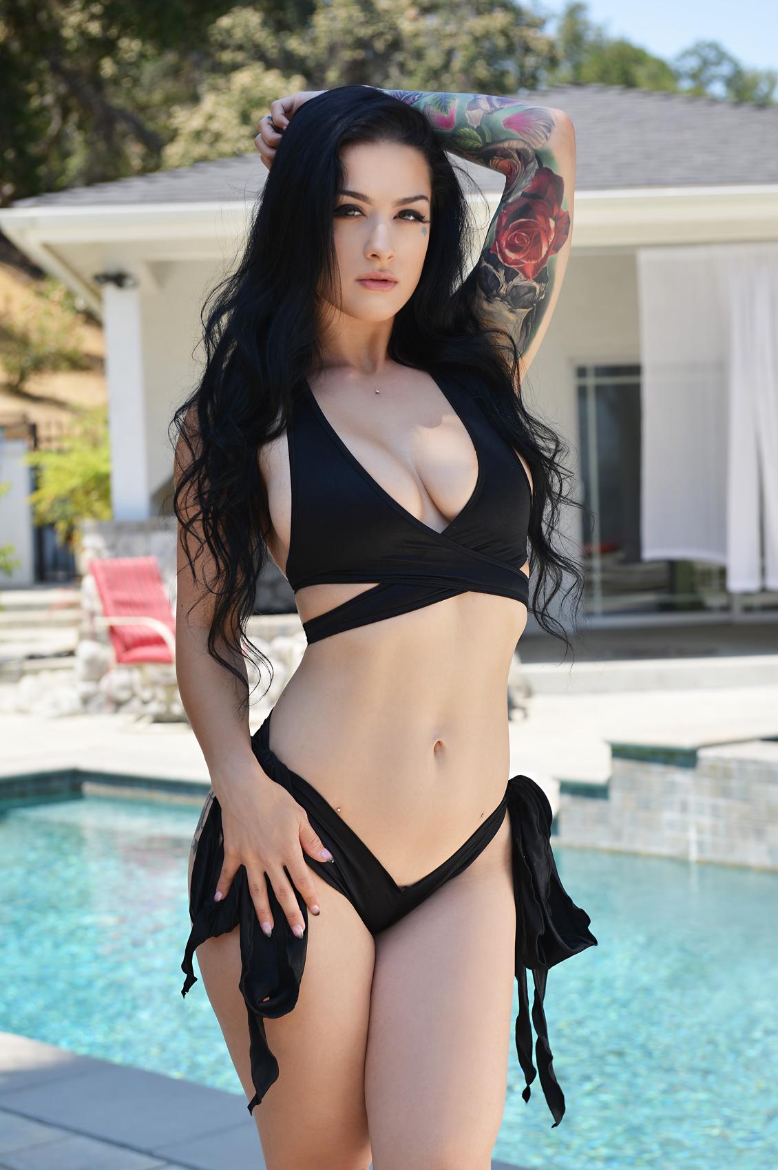 Katrina Jade's VR Porn Videos, Bio & Free Nude Pics