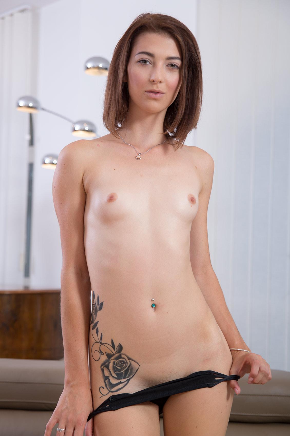 Tera Link's VR Porn Videos, Bio & Free Nude Pics