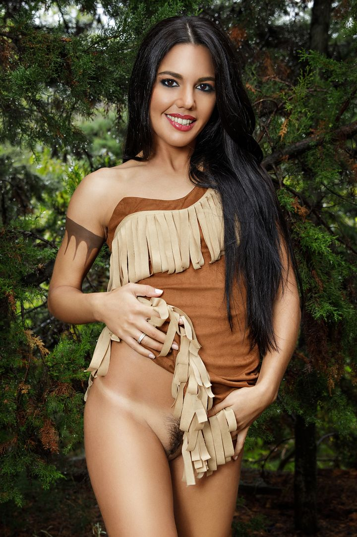 Apolonia Lapiedra's Bio, Free Nude Pics & VR Porn Videos