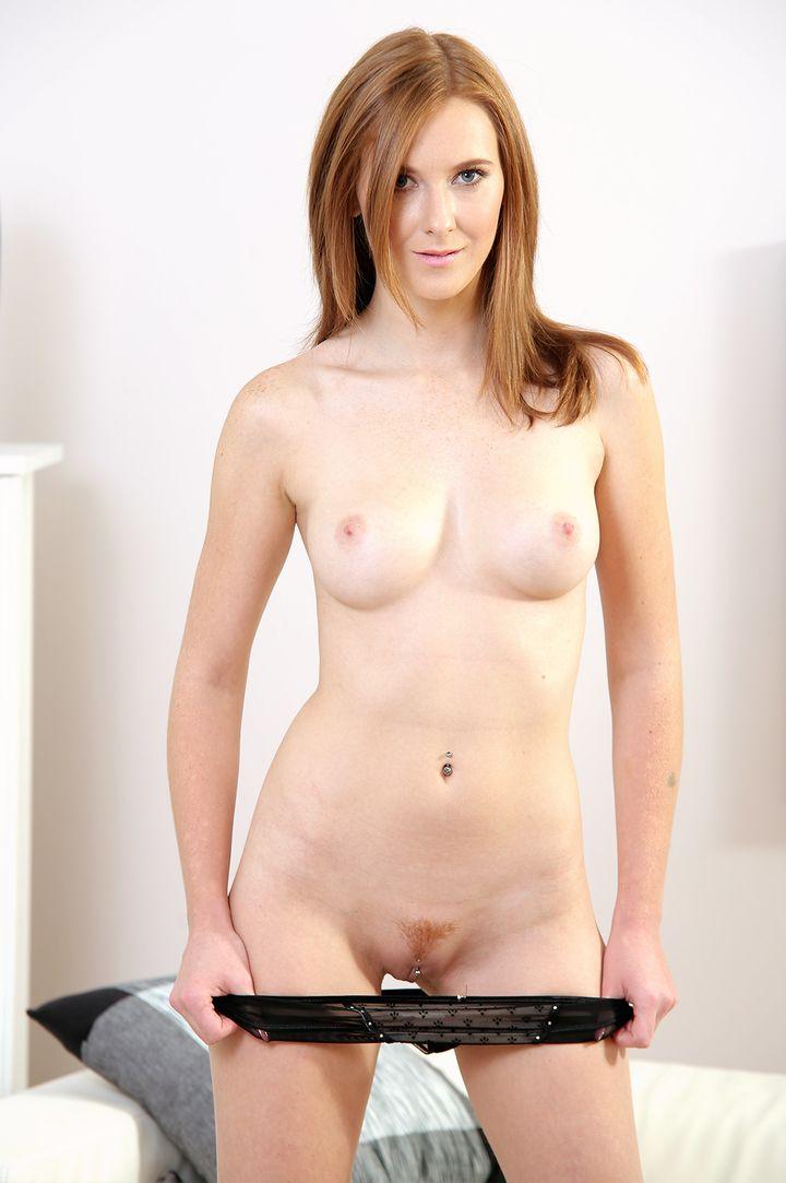 Linda Sweet's VR Porn Videos, Bio & Free Nude Pics