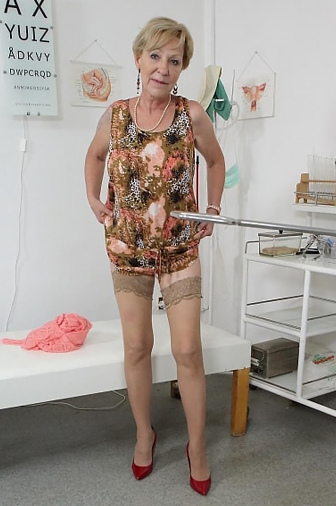 Mili's VR Porn Videos, Bio & Free Nude Pics