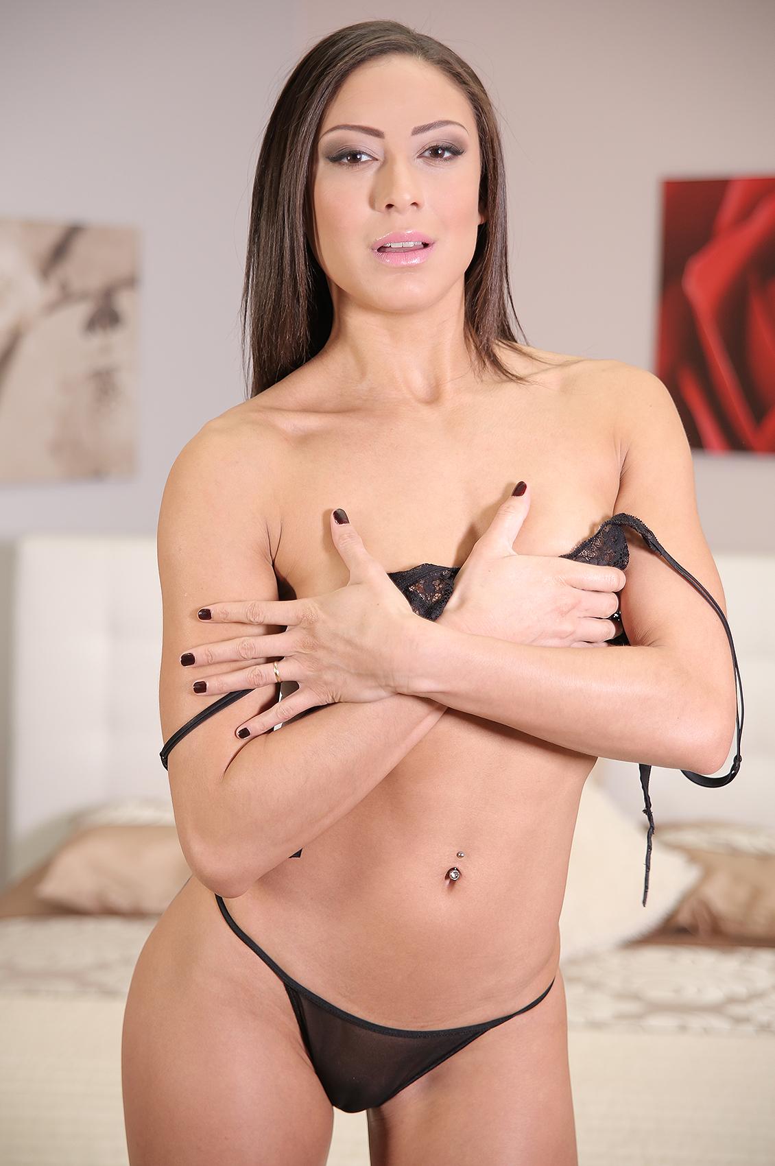 Cassie Del Isla's VR Porn Videos