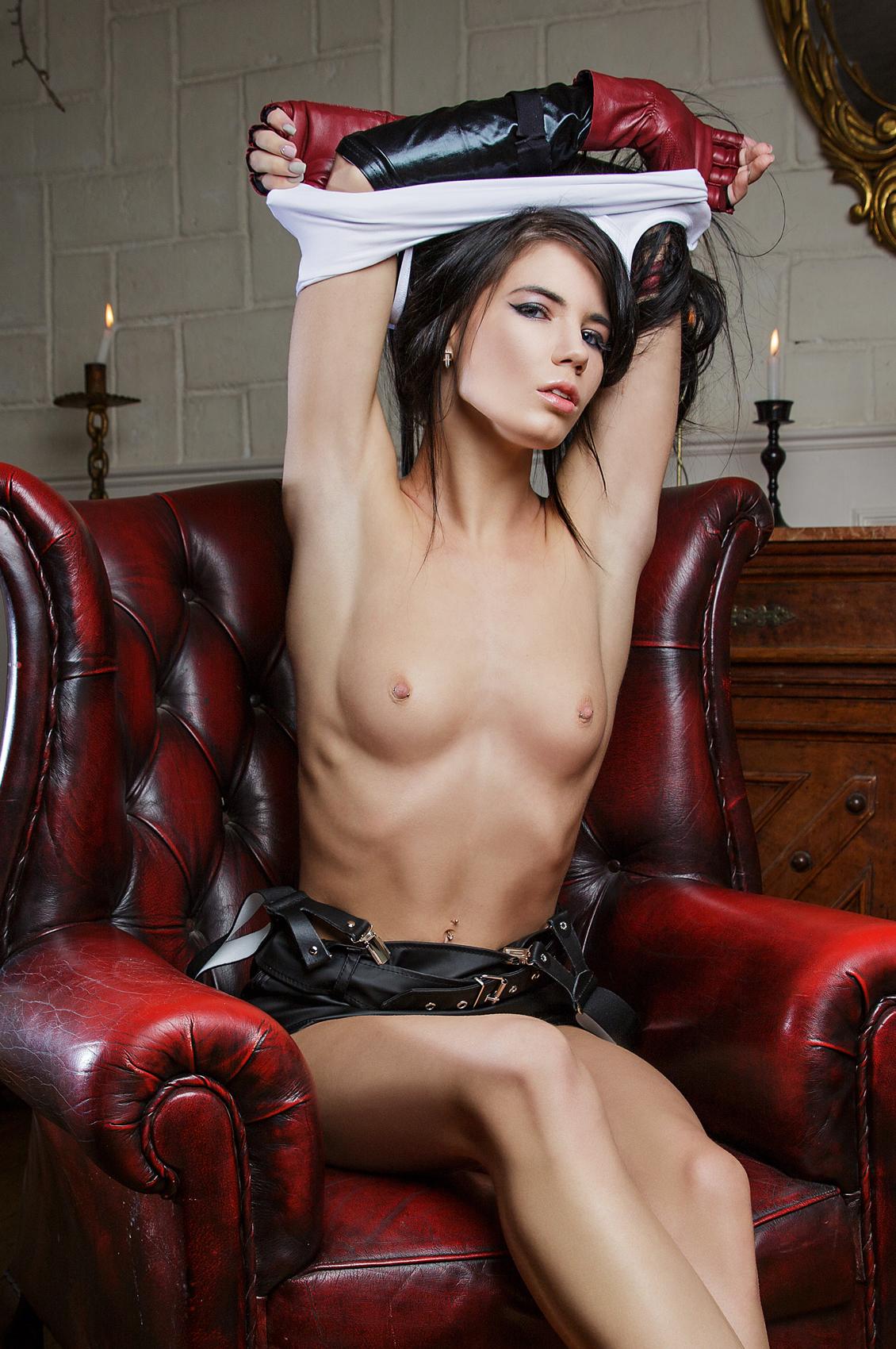 Lovenia Lux's Bio, Free Nude Pics & VR Porn Videos