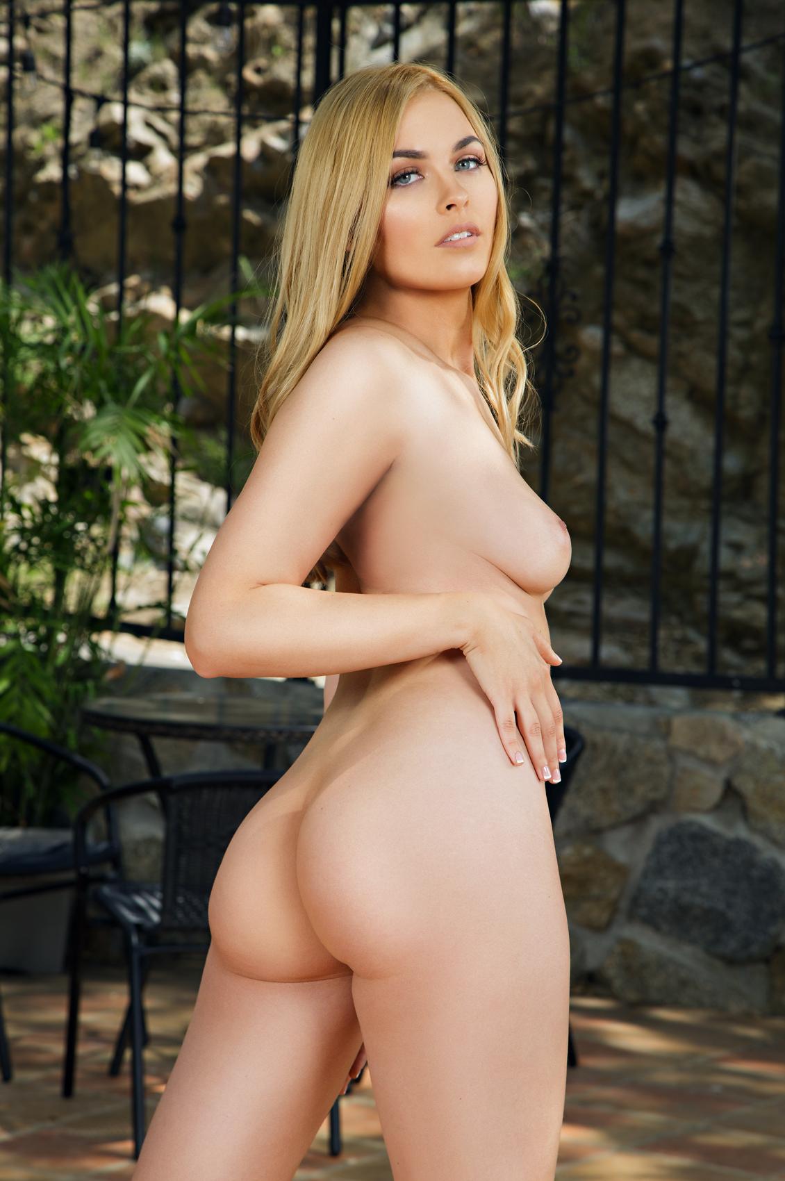 Bailey Rayne's VR Porn Videos, Bio & Free Nude Pics