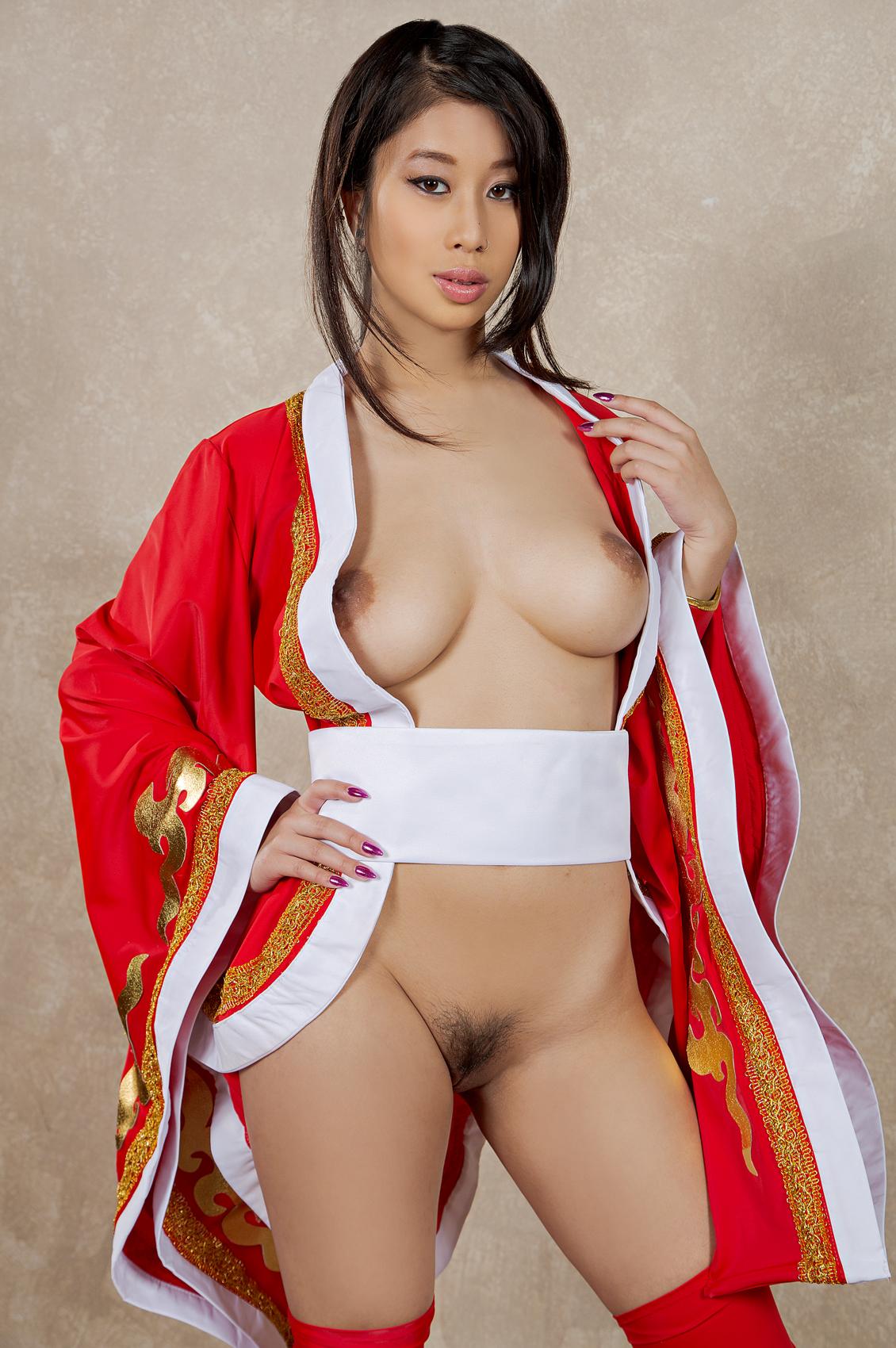 Jade Kush's Bio, Free Nude Pics & VR Porn Videos