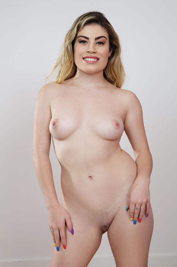 Veronica Valentine's VR Porn Videos, Bio & Free Nude Pics