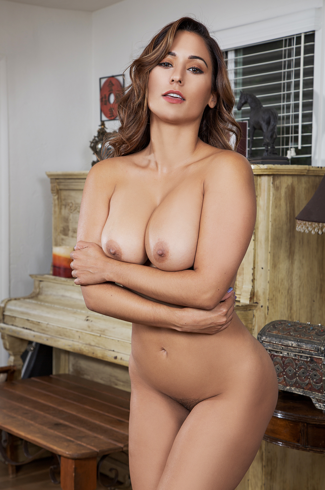 Reena Sky's VR Porn Videos, Bio & Free Nude Pics