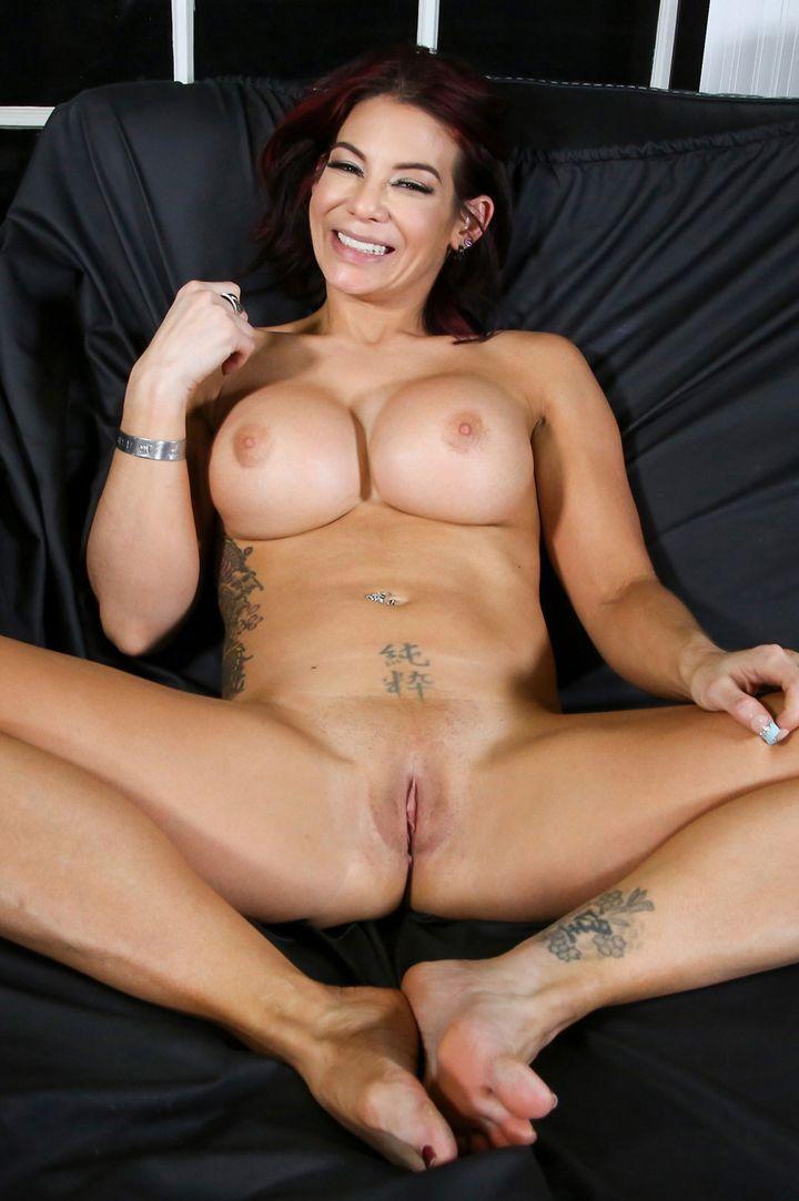 Ryder Skye's VR Porn Videos, Bio & Free Nude Pics