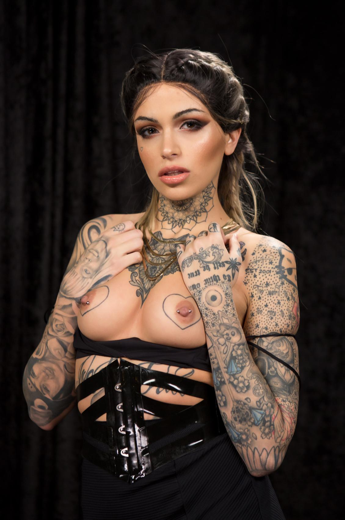Leigh Raven's VR Porn Videos, Bio & Free Nude Pics