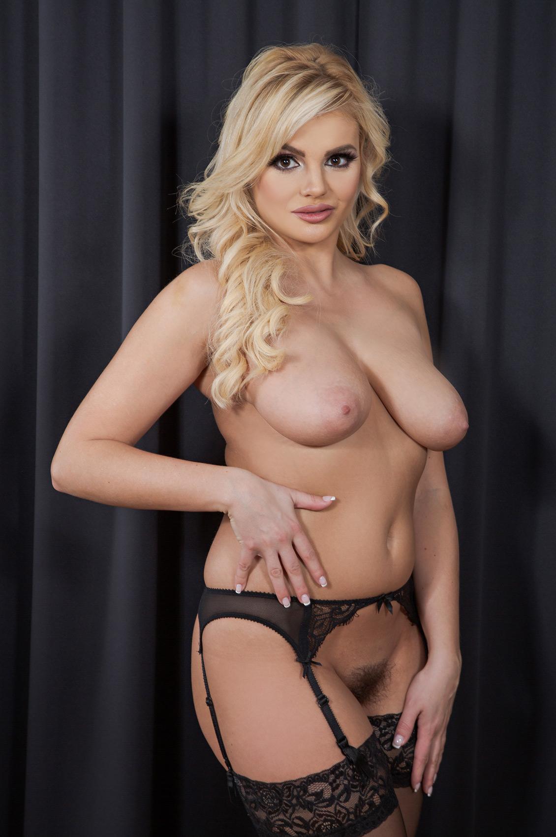 Katy Jayne's VR Porn Videos, Bio & Free Nude Pics