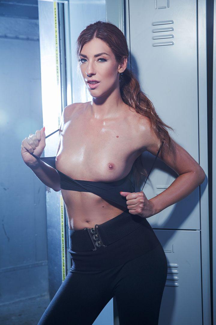 Shona River's VR Porn Videos, Bio & Free Nude Pics