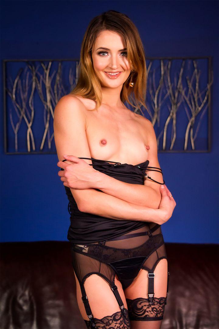 Zoe Sparx's VR Porn Videos, Bio & Free Nude Pics