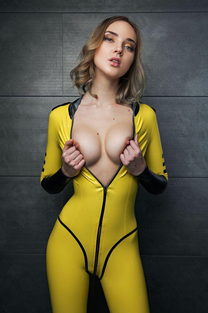 Oxana Chic's VR Porn Videos, Bio & Free Nude Pics