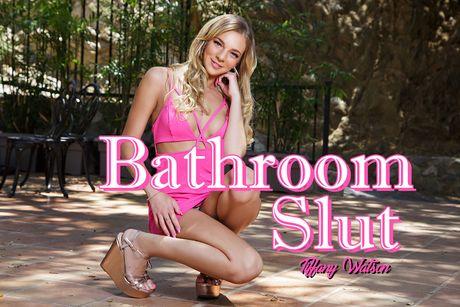 Bathroom Slut VR Porn Video