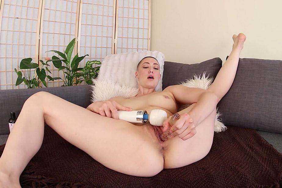 Iris Ives Multiple Orgasmic Squirter VR Porn Video