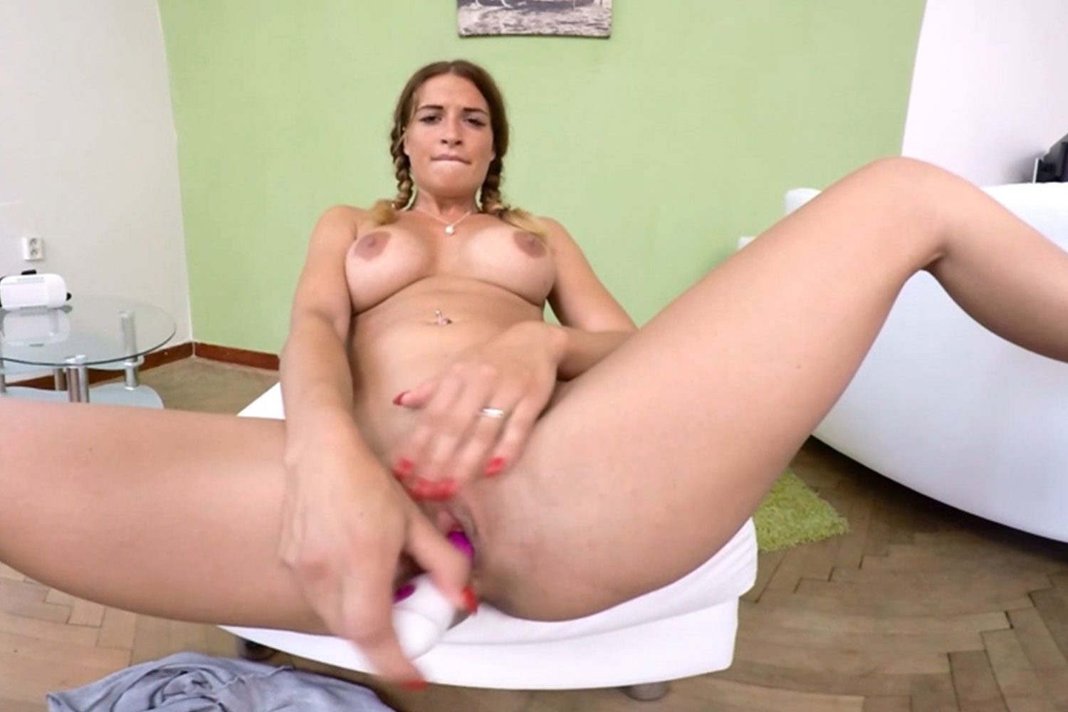 Young girl private masturbation at home screenshot