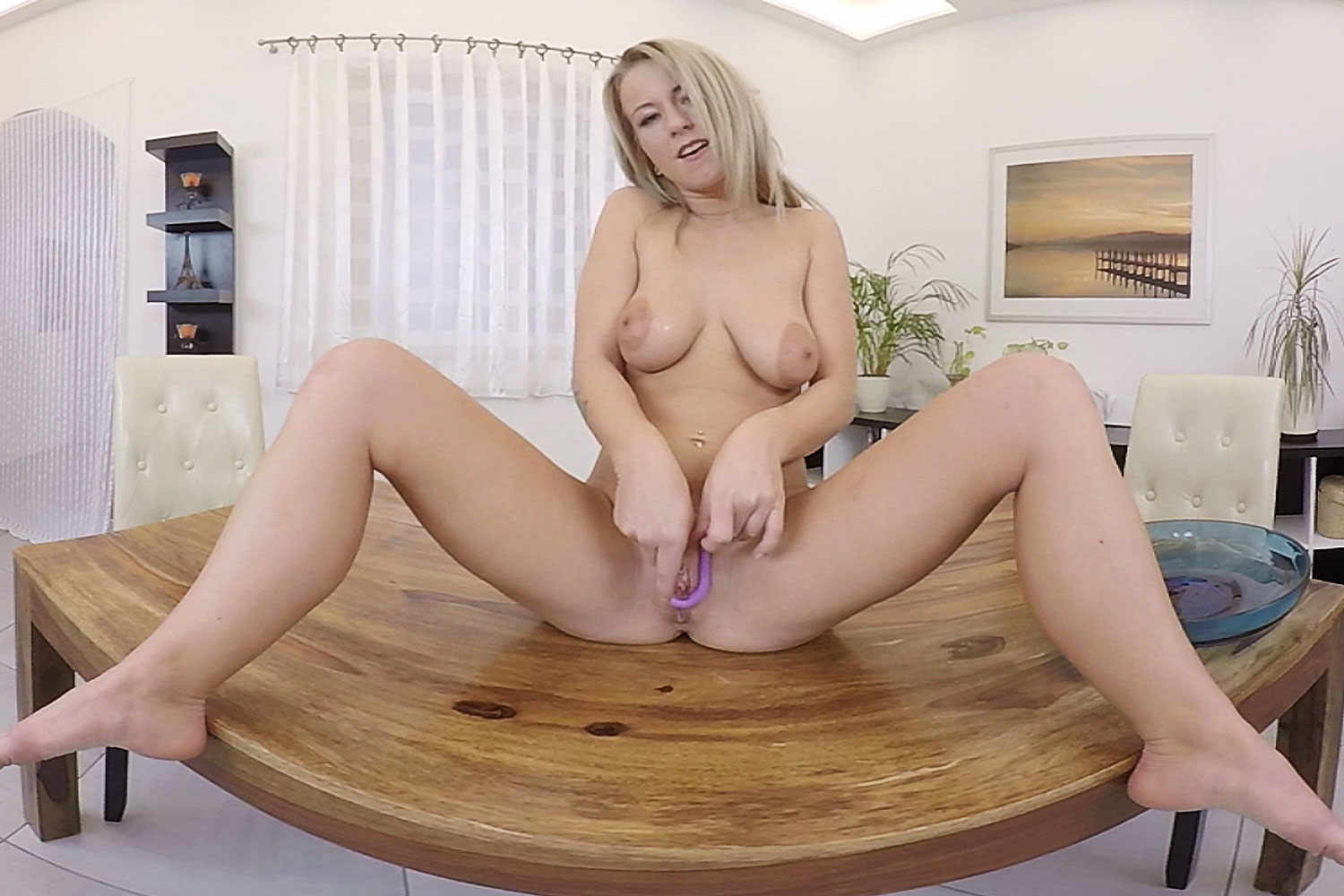 Tasting Those Juices VR Porn Video