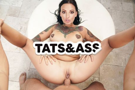 Tats and Ass VR Porn Video