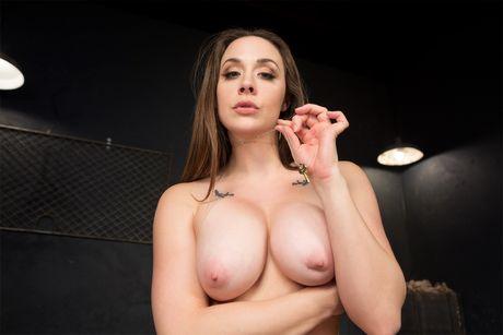 Cuckolding 101 VR Porn Video