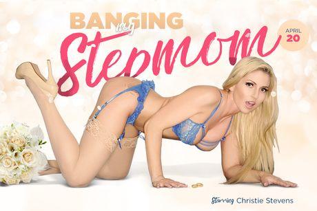 Banging My Stepmom VR Porn Video